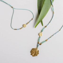 """""""Fineline"""" Ketten und Armbänder. Edelsteine, japanische Glasperlen und 18K vergoldete Silberelemente. Kette lang und Armband."""