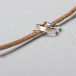Freundschaftsringe. Hammerschlag, matt oder glänzend. Ringe für die Freundschaft findest du in Kreuzberg bei der Schmuckgraefin. Ab 140 Euro
