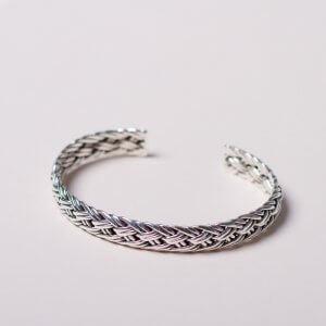 Silberarmspange (geflochten) für Mann und Frau.