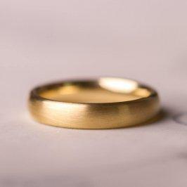 585Goldring für die Hochzeit und das Leben. Mattiert.