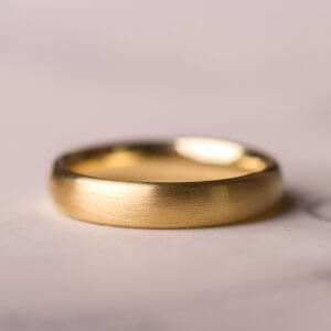 585 Goldring für die Hochzeit und das Leben. Mattiert.
