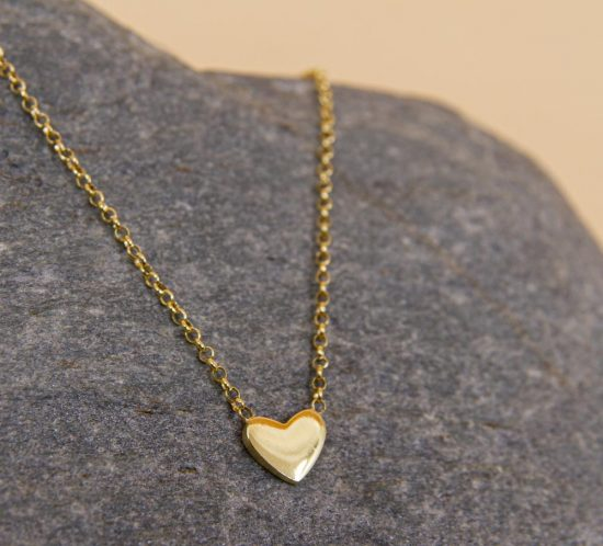 Herzkette mit vergoldetem integrierten Herzanhänger.